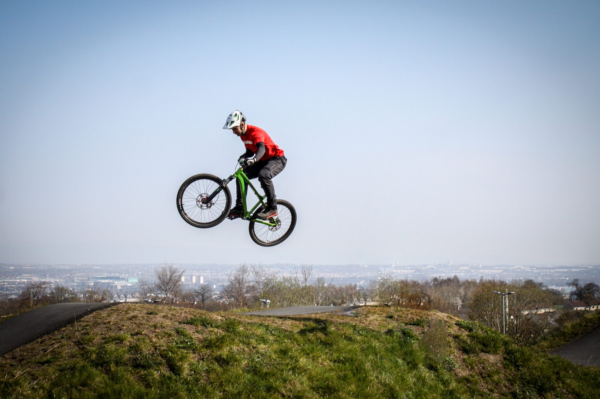 Jumping over Glasgow - Cathkin Braes Pumptrack
